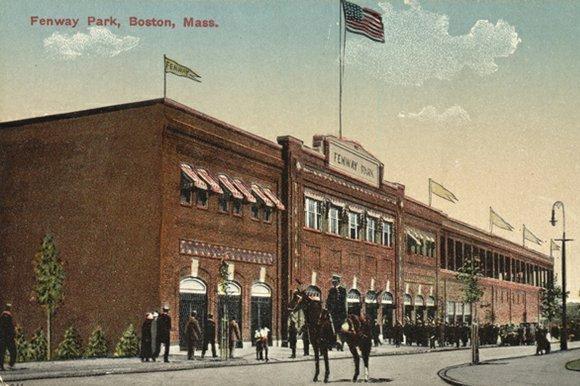 1912-Fenway-Park-police-horses-color