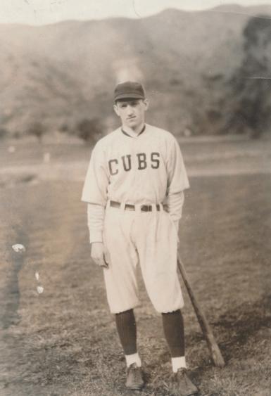 Cannon-Ray-1922-0516-NEA-photo-wearing-Cubs-uniform