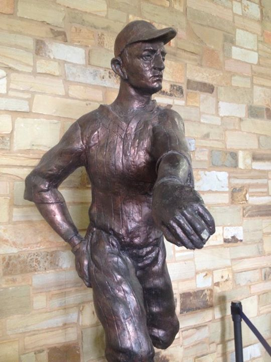 Kerr-Dickey-statue-SugarLand