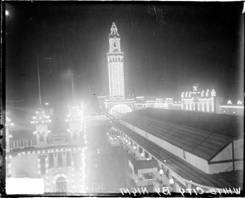 """White City Amusement Park, which opened in 1905, was a popular entertainment venue known as """"the city of a million lights,"""" with carnival rides, a roller skating rink, dance hall, Ferris wheel, and a 300-foot-high electric tower with lights that could be seen up to 15 miles away. (Photo: Chicago Daily News Collection, Chicago History Museum, DN-0066641)"""